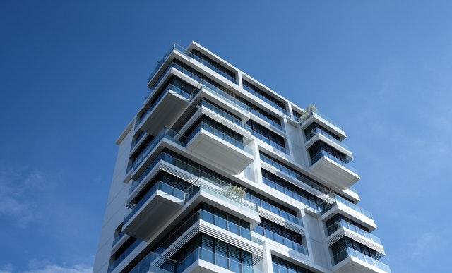 Quien hace el Informe de Evaluacion de Edificios